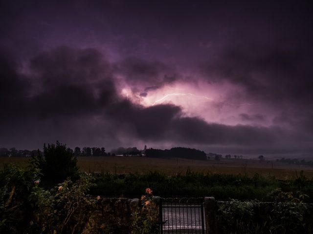 KP_Lightning-by-the-Garden-Gate